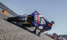 Jorge Lorenzo, moto a 64 gradi di inclinazione!
