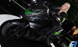 Lancio del nuovo scooter Kawasaki J300 - 4 anni di garanzia e bauletto in omaggio