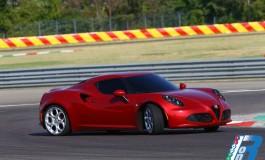 """Alfa Romeo 4C, vince il titolo """"Auto, Motor und Sport"""""""