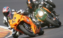 Cosa serve in pista oltre alla moto? Consigli utili e dritte indispensabili - Lista completa