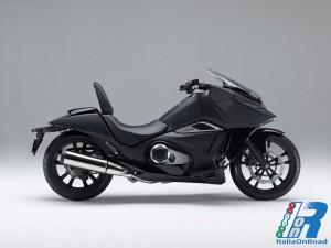 Honda_NM4_Vultus_(1)