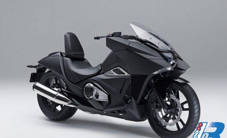 "Honda NM4 Vultus – la moto ""manga"""