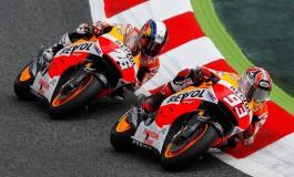 """MotoGP Catalogna: 7° vittoria per Marquez l'inarrestabile, segue il gran """"campione"""" ROSSI, Pedrosa rischia tutto"""