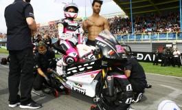 E dopo i Velini arrivano gli Ombrellini con Ana Carrasco in Moto3