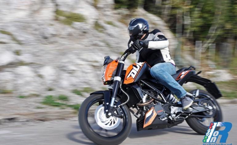 Test ride KTM DUKE 200 – L'apparenza inganna!