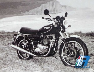 1982 - Bonneville T140W SS_1