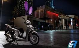 Nuovo SH300i ABS con gruppi ottici a LED e omologato Euro4