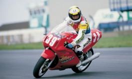 3 aprile 1988: sul circuito di Donington Park si disputa il primo gran premio della storia del mondiale Superbike