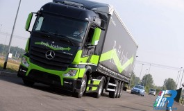 Mercedes-Benz Trucks, giganti da 500cv che trasportano 44 tonnellate di peso in piena sicurezza