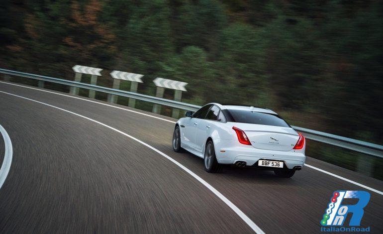 La Jaguar XJ ridefinisce gli standard del lusso, dello stile e della dinamicità di guida