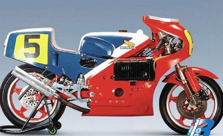 La storia della Honda NR 500, la moto con i pistoni ovali: i perché di una scelta originale.