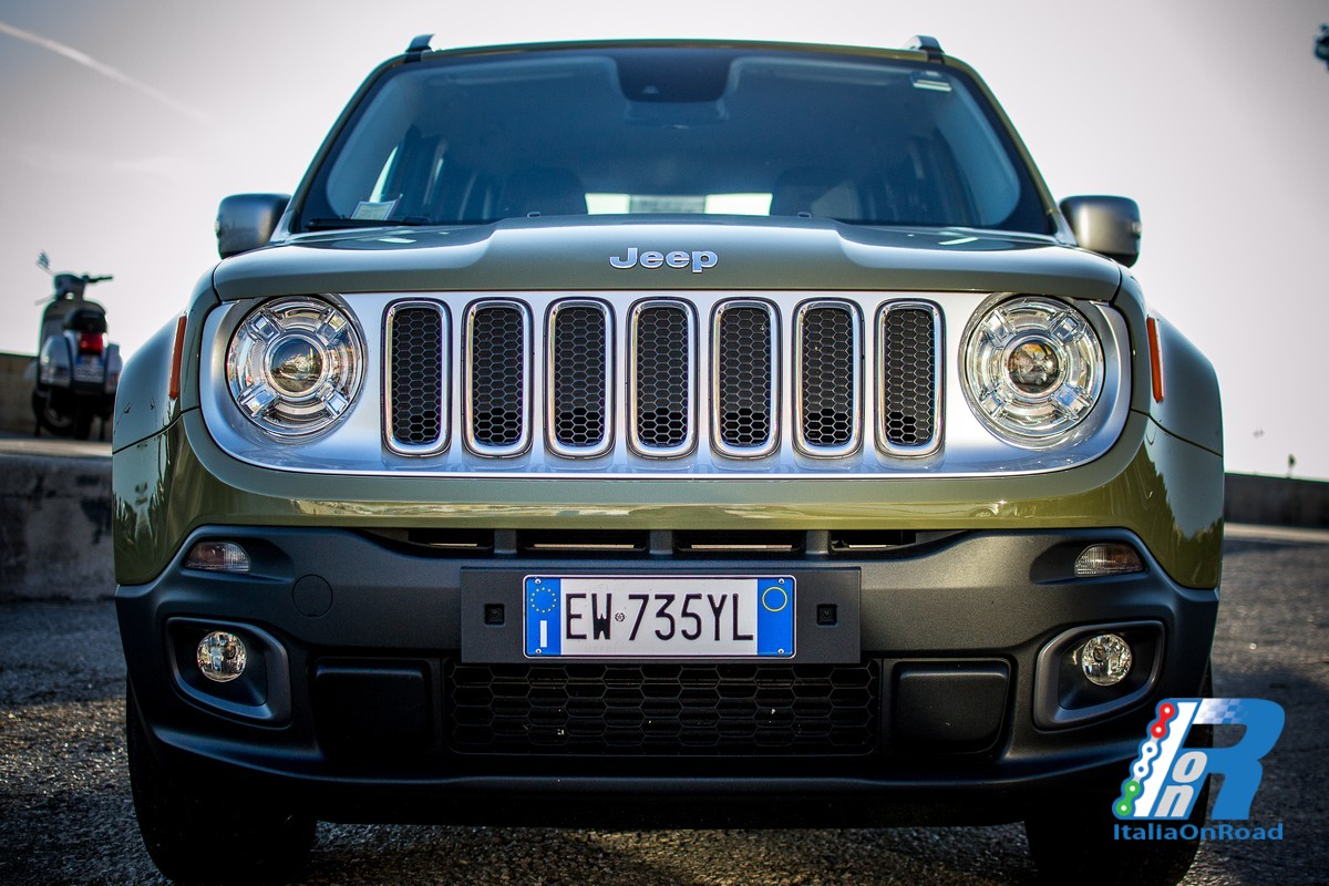 prova jeep renegade la piccola di casa jeep che piace italiaonroad rivista italia motori. Black Bedroom Furniture Sets. Home Design Ideas