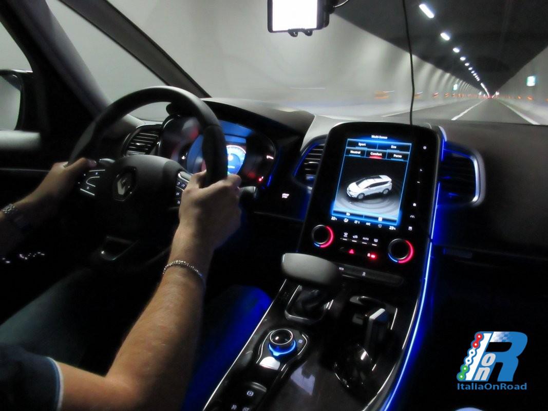 Prova Renault Espace, spazio e tecnologia ad alti livelli  ItaliaOnRoad - Ri...