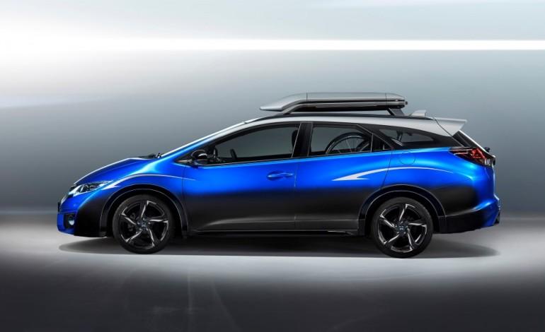 Honda presenta Civic Tourer Active Life Concept al Salone di Francoforte