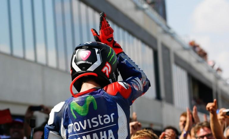 MotoGP Aragon: Lorenzo shark attack, Pedrosa torna fenomeno e Rossi chiude il podio