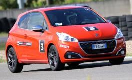 Peugeot Driving Experience: Test in pista 208 GTi, un'esperienza da non perdere!
