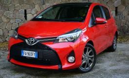 """Prova Toyota Yaris """"sono giapponese"""" nella città di Napoli"""