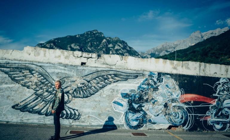 Sky e Moto Guzzi per 'Lord of the Bikes' da martedì 22 marzo alle 22:00 su Sky Uno HD