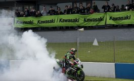 Superbike, Donington - Sykes raddoppia in casa. Kawasaki imprendibili