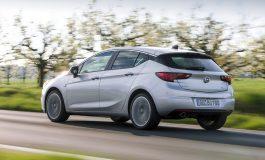 """Nuova Opel Astra BiTurbo 5 porte: la compatta """"pepata"""""""