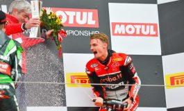 Superbike - Imola si tinge di rosso Ducati. Davies si impone anche in gara2