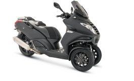 Peugeot Scooters svela la nuova serie limitata Metropolis Black Edition