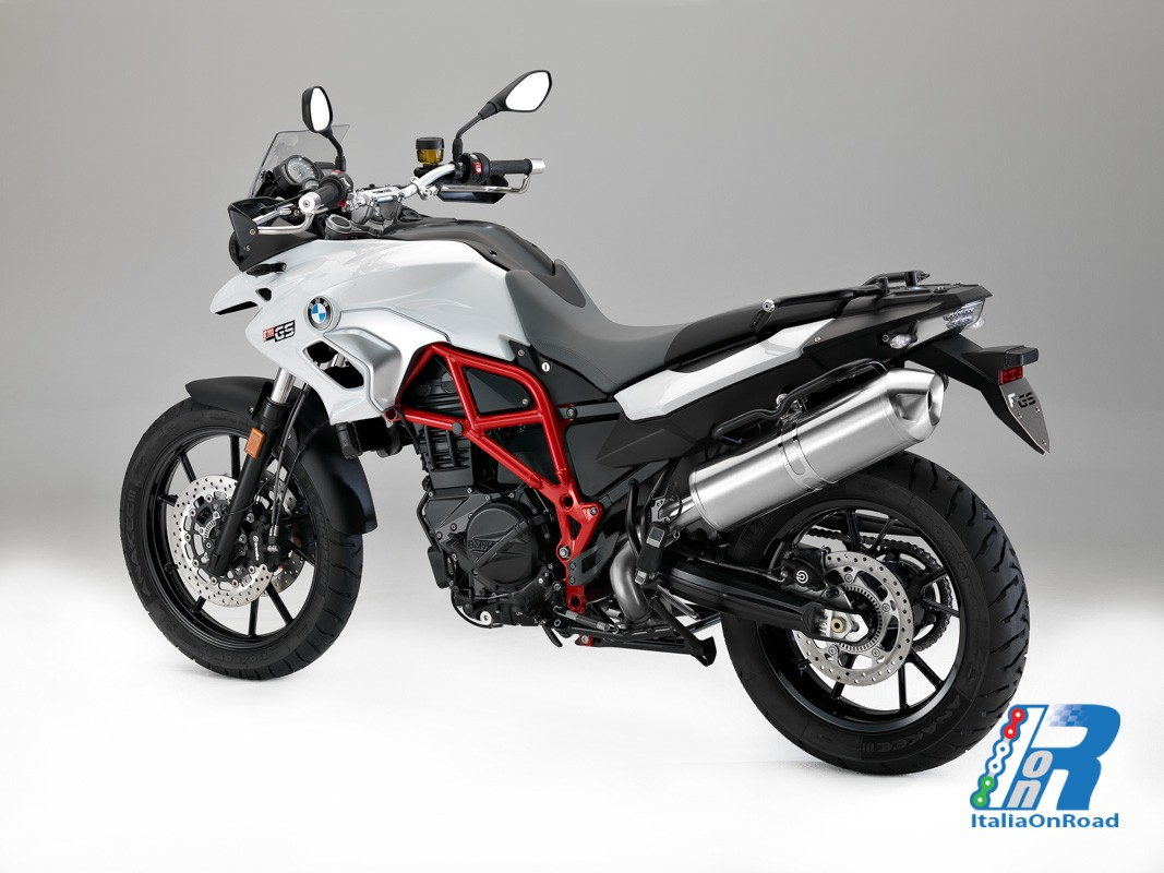 la nuova bmw f 700 gs f 800 gs e f 800 gs adventure. Black Bedroom Furniture Sets. Home Design Ideas