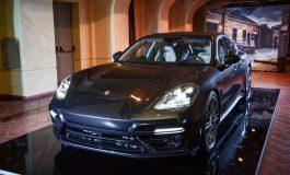 Nuova Porsche Panamera una ristretta preview per pochi fortunati - Villa Borromeo