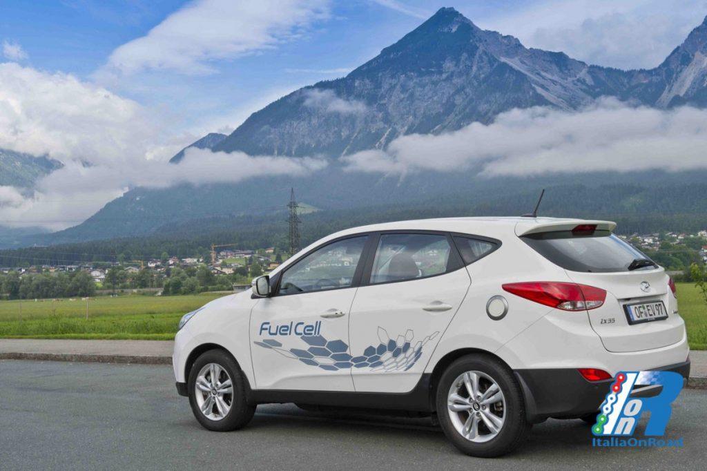 Hyundai inaugura la prima stazione pubblica di ...