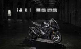 La moto BMW più esclusiva mai costruita: BMW HP4 RACE. Presentazione all'EICMA di Milano