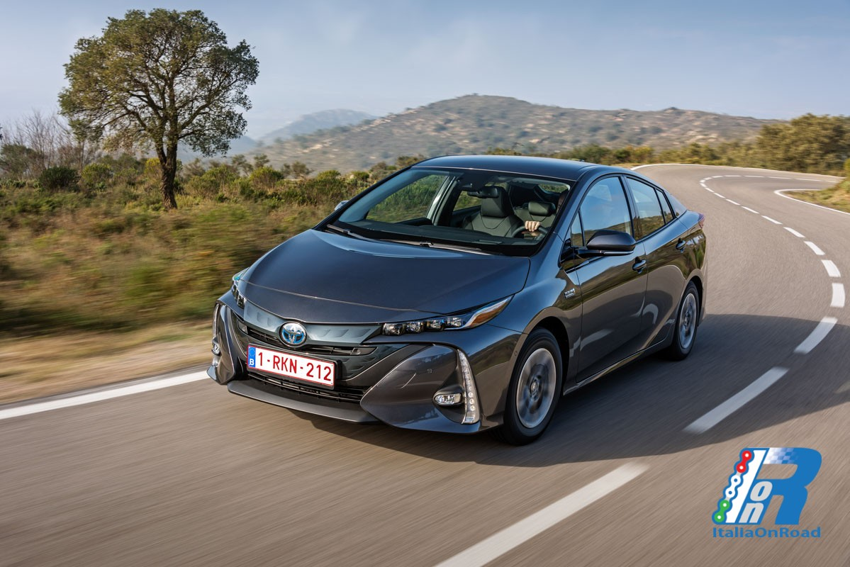 nuova toyota prius plug in hybrid italiaonroad rivista italia motori. Black Bedroom Furniture Sets. Home Design Ideas