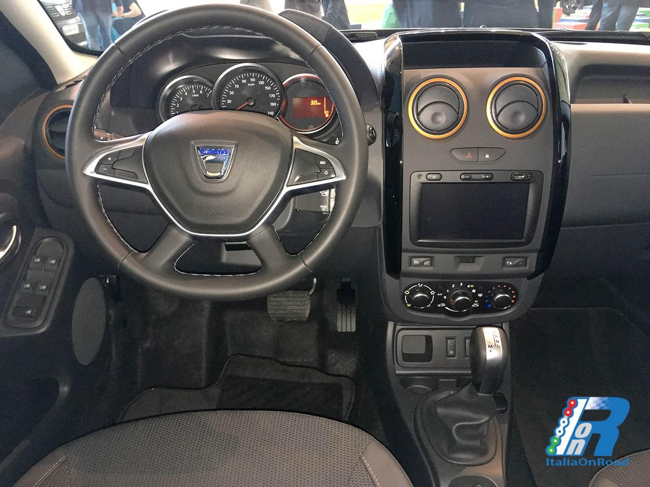 Dacia presenta la nuova serie speciale trasversale brave for Duster interni