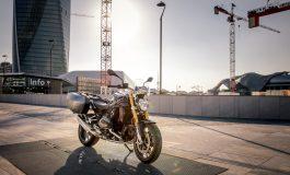 La BMW R 1200 R nella nuova versione Black Edition