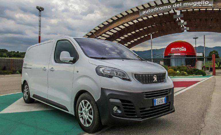 Prova Peugeot Expert: un bel veicolo da lavoro – primo contatto