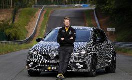 Quattro ruote sterzanti e due telai disponibili su Nuova Renault Megane R.S.