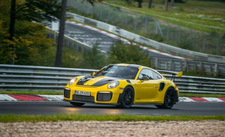 Porsche 911 GT2 RS – 6 minuti e 47,3 secondi al Nürburgring