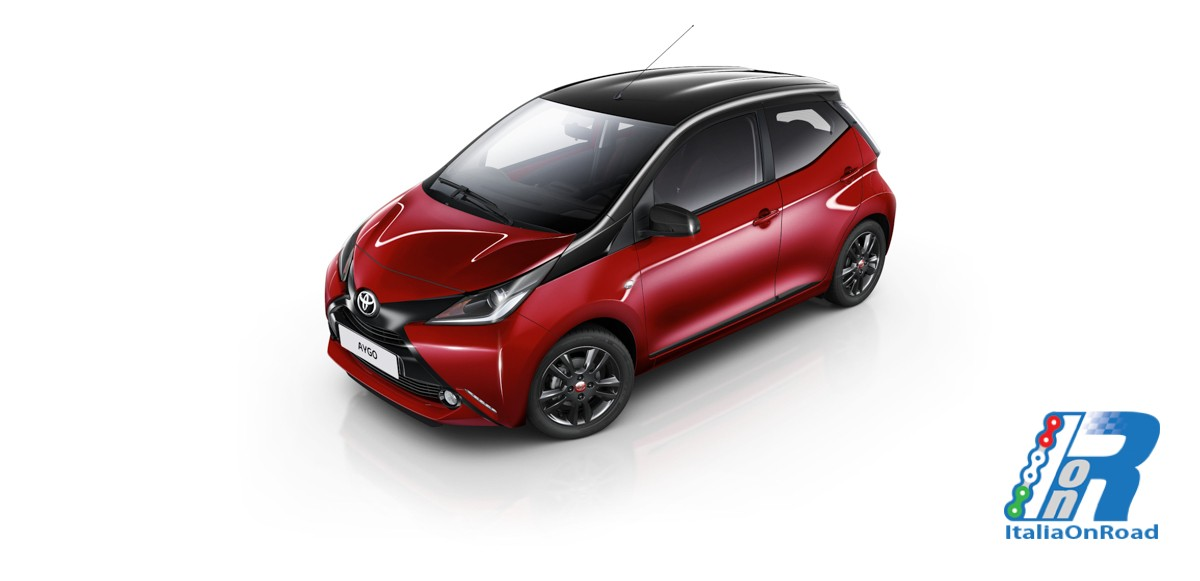 toyota presenta la nuova aygo in versione x cite red edition italiaonroad rivista italia motori. Black Bedroom Furniture Sets. Home Design Ideas