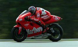 La sconosciuta Yamaha YZR 500 che avrebbe dovuto contendere il titolo 2001 alla Honda di Rossi