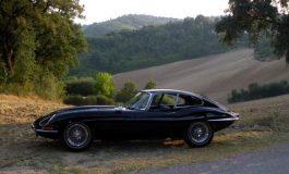 Le avversarie della GTO: la Jaguar E e le sue varianti da competizione Low Drag e Lightweight