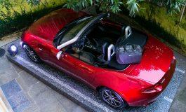 Debutta con stile la 3° versione Speciale della Mazda MX-5 with Pollini Heritage