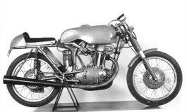 """15 luglio 1956, il """"desmo"""" Ducati si rivela al mondo"""