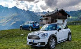 MINI Countryman: un'estate all'insegna del divertimento di guida