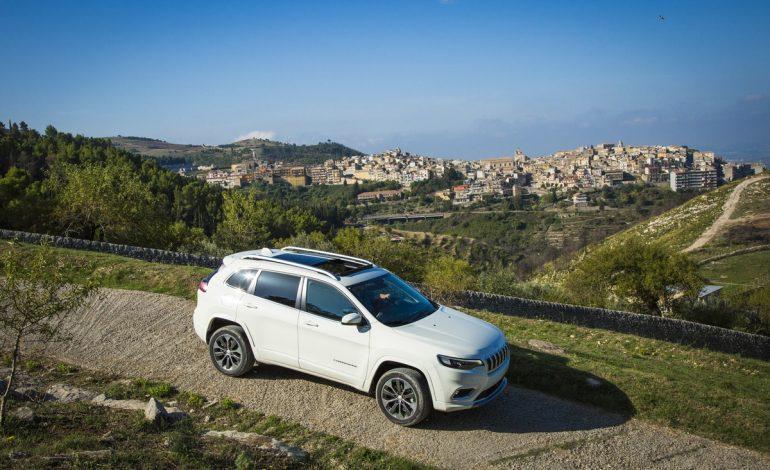 Nuova Jeep Cherokee: più bella, più ricca e costa meno