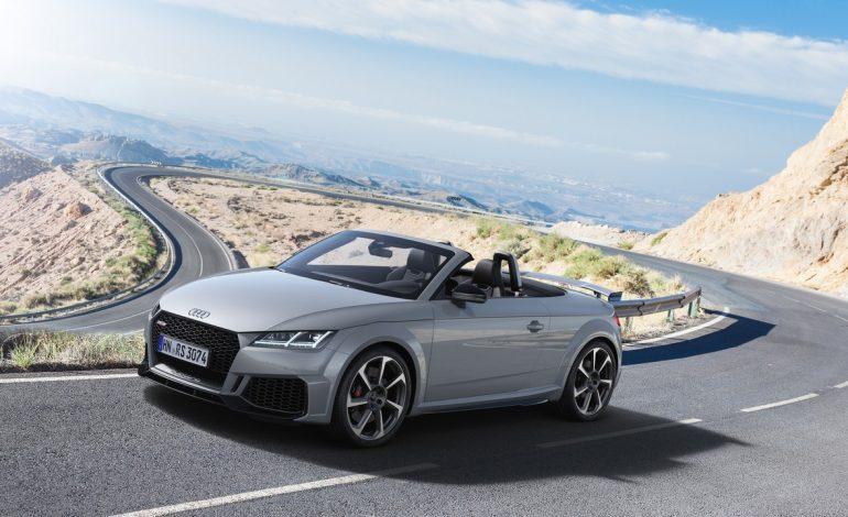 Nuove Audi TT RS Coupé e Roadster: muscoli in evidenza