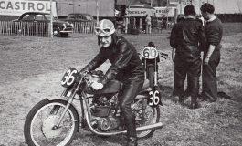 Il 10 giugno 1957 Mike Hailwood otteneva la sua prima vittoria in una gara su pista