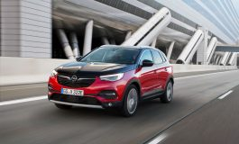 Opel Grandland X Hybrid4 AWD è ora ordinabile in Italia