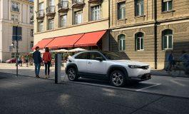 Mazda MX-30:Un'auto elettrica progettata per l'ambiente e per chi guida