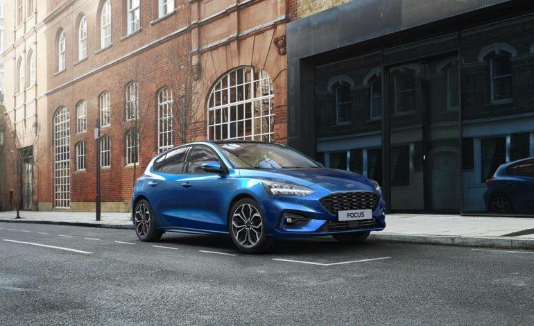 Ford Focus EcoBoost Hybrid: efficienza, comfort e connettività