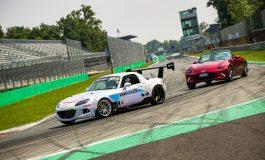 Mazda porta il drifting all'Autodromo di Monza in uno show con la MX-5